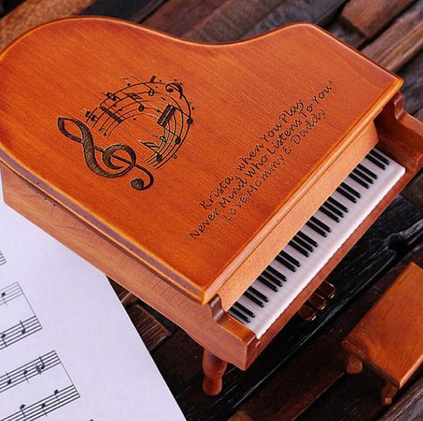 associate piano2